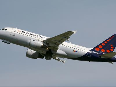 Brussels_Airlines_Airbus_A319_KvW