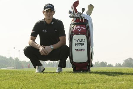 Thomas-Pieters_abudhabi16_Thomas_Pieters_with_bag_2_web