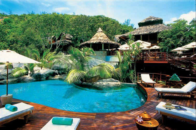 GV - LeMuria Resort Seychelles - main building and pool 2