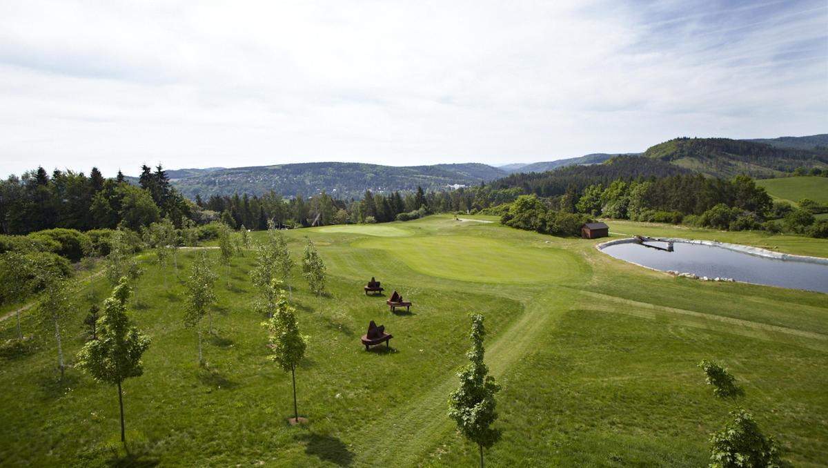 Golf Park st. John Slapy - hole nr.4 and 3statues by sculptor Antonín Kašpar